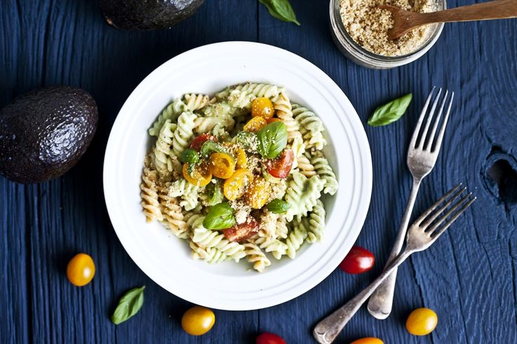A fresh creamy sauce paired with a colourful tomato salsa all mixed together with a vegan parmesan touch! Delightful when topped on a pasta.