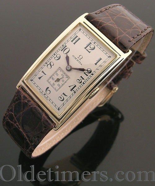 1920s 18ct gold rectangular vintage Omega watch (3962)