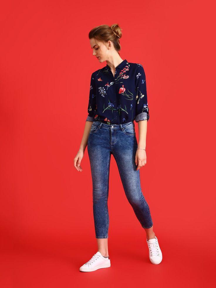 Comanda online, Camasa dama cu croi larg Top Secret albastru-inchis cu imprimeuri florale. Articole masurate, calitate garantata!