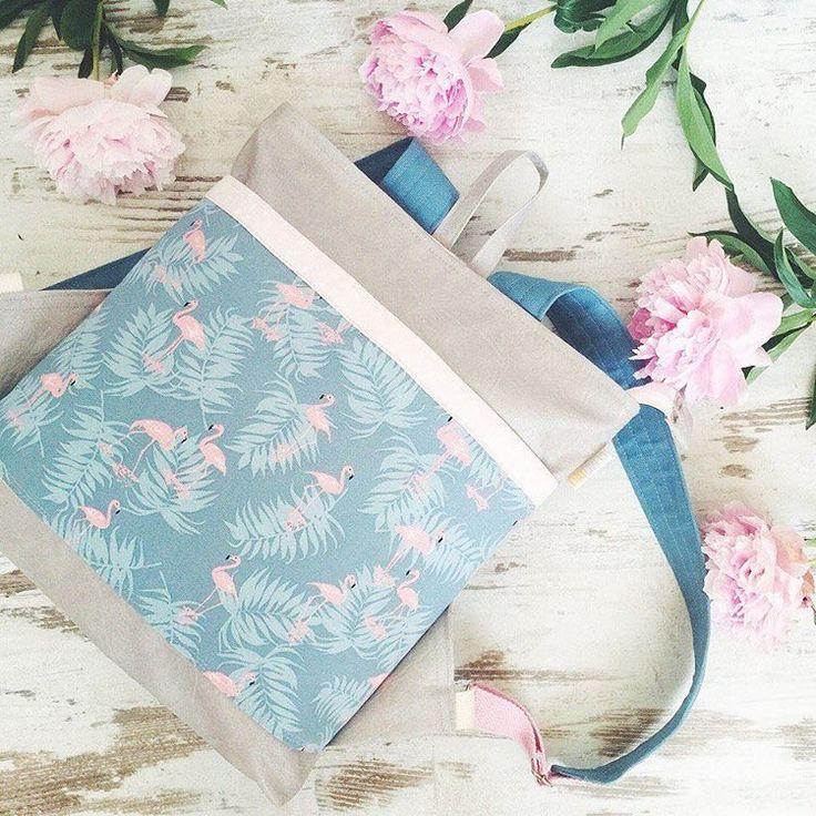 Рюкзаки и сумки из кожи и ткани в цветочек, украшенные кружевом и вышивкой со сказочными животными 🐰🌸Мечтательный стиль FoxyCrafts @julie_foxycrafts — в сегодняшней рубрике «Магазин дня» LMBD.ru! #lambadamarket #ламбадамаркет