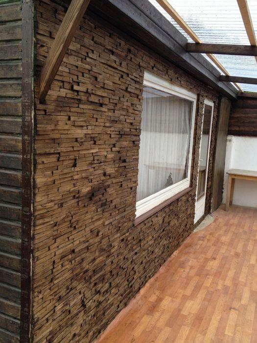 Вашему вниманию наше воплощение идеи отделки стены деревянной мозаикой. После ремонта на даче осталось много досок, которые нужно было куда нибудь применить либо выкинуть, и пустая стена, с которой н…