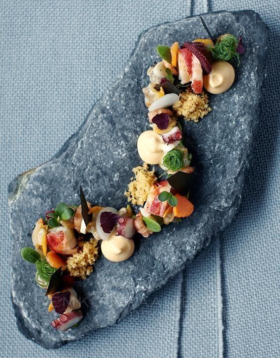 Seafood and avocado dish by Onno Kokmeijer, Ciel Bleu restaurant