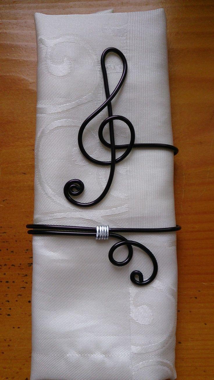 les 25 meilleures id es de la cat gorie ronds de serviette. Black Bedroom Furniture Sets. Home Design Ideas