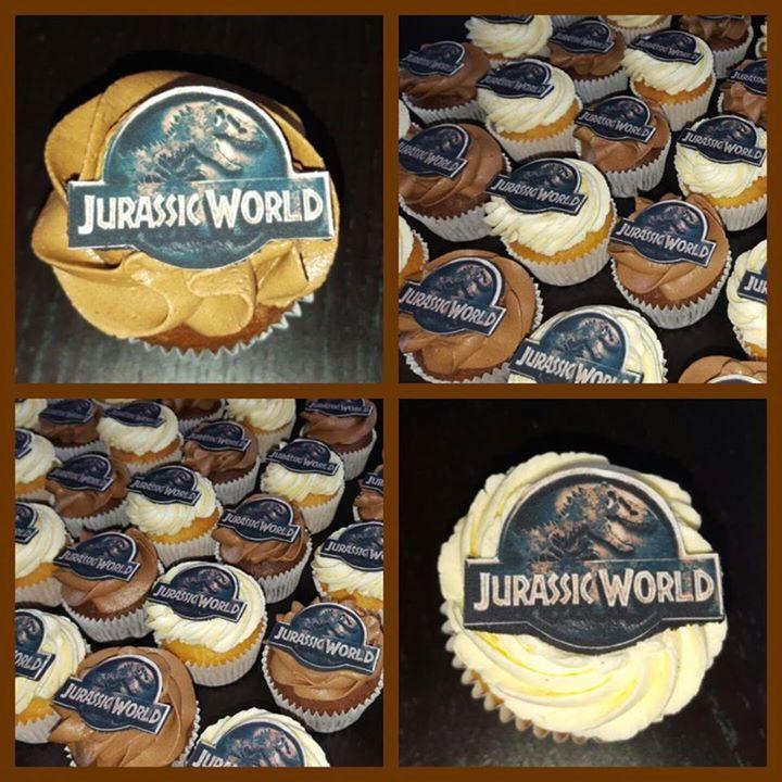 Jurassic world cupcakes