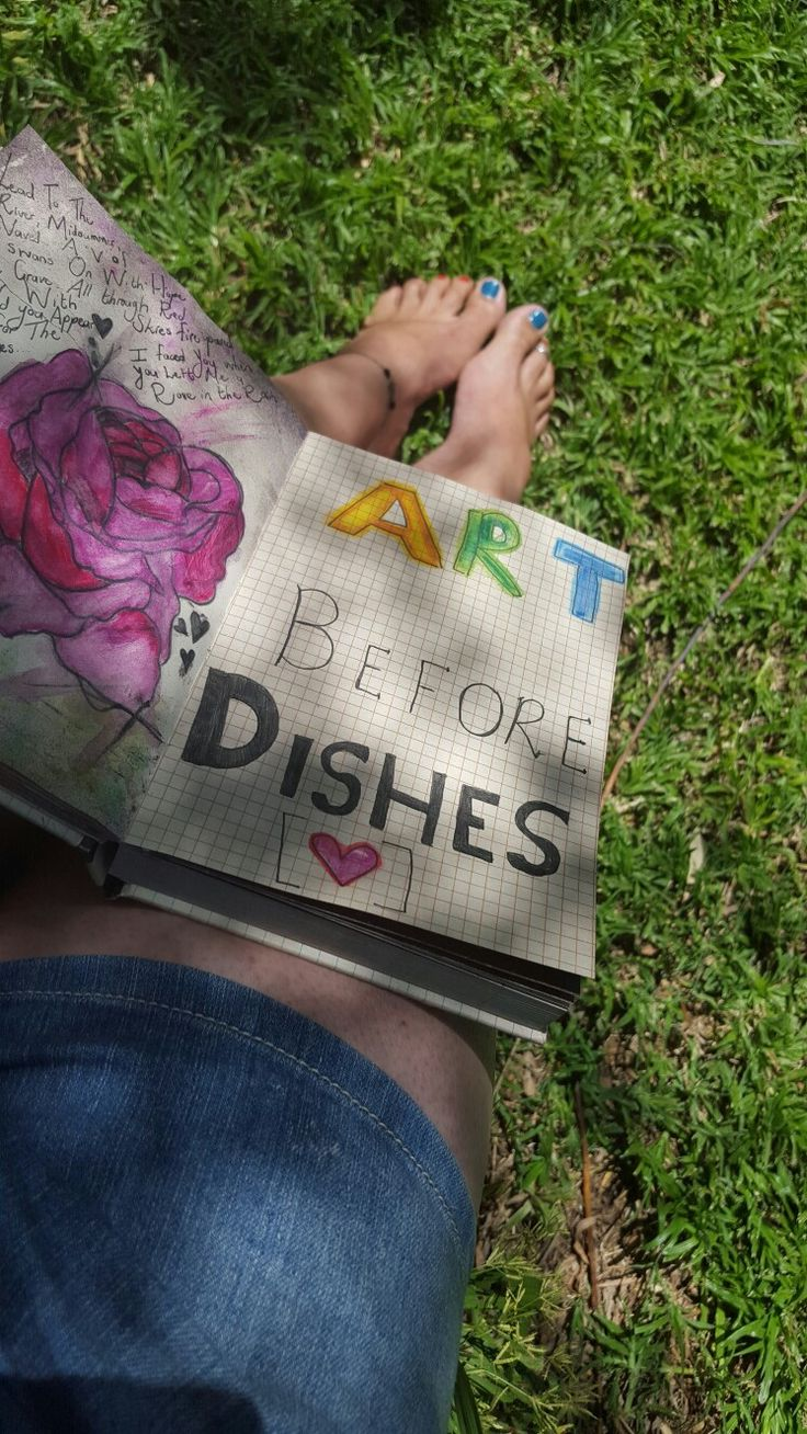 Art before dishes ♡.---> Life motto