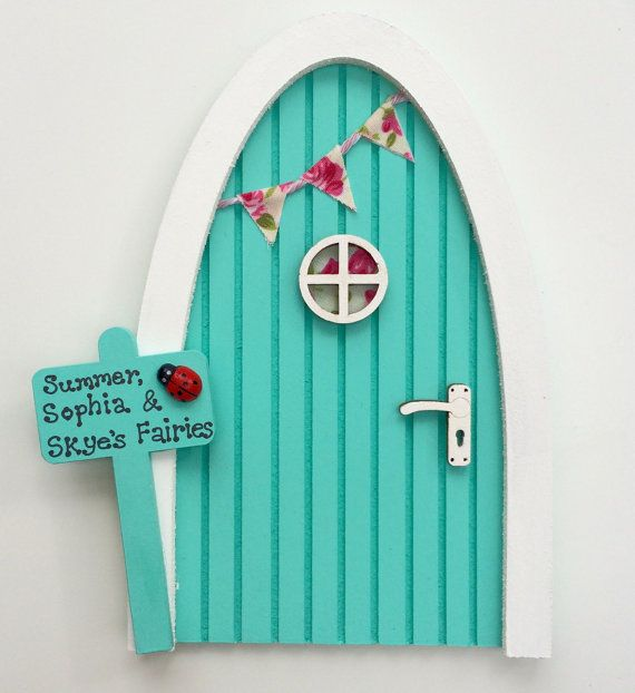 Best 25 fairy doors ideas on pinterest fairy doors on for Tinkerbell fairy door