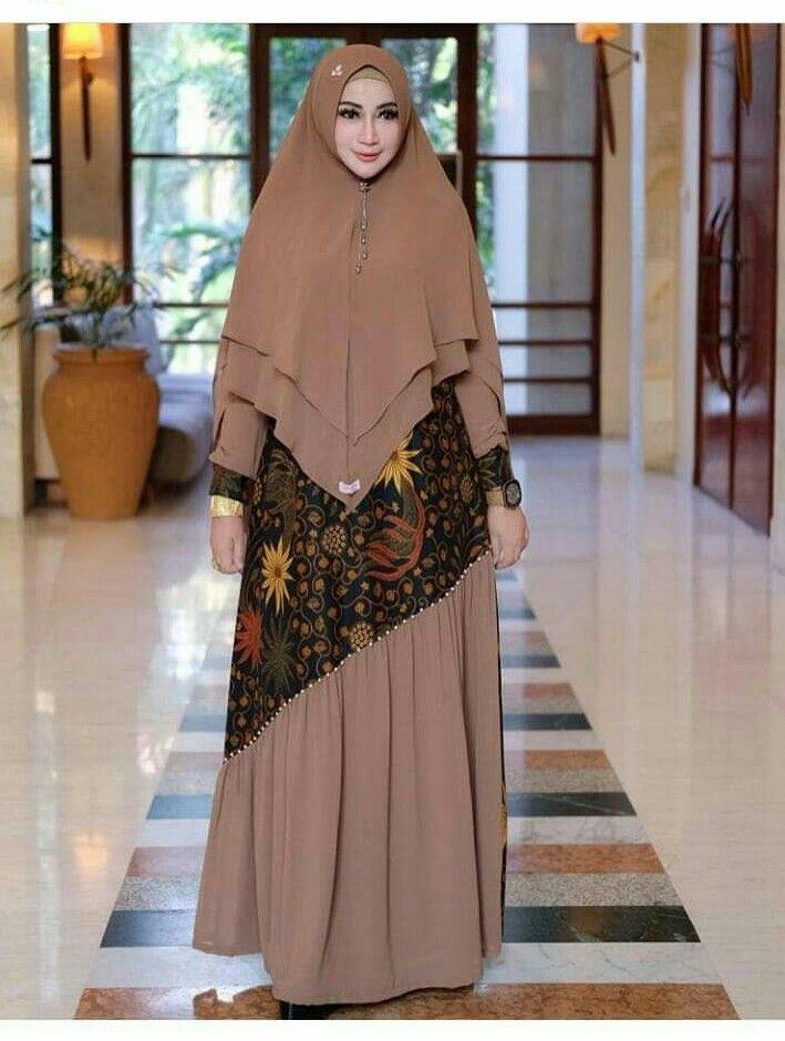 Gamis Batik Kombinasi Polos Gaya Model Pakaian Model