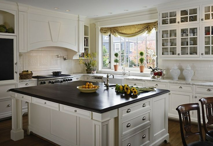 See more project details for Federal Home by Graciela Rutkowski Interiors including photos, cost and more.