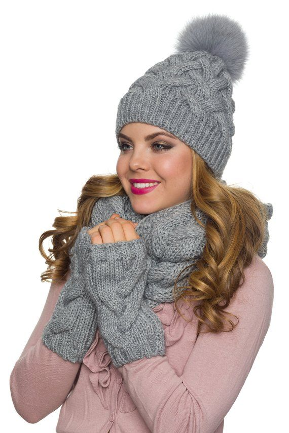 e6ce93ca7e8a8d Big pom pom hat Chunky scarf Fingerless gloves Winter hat | AMAZING ...