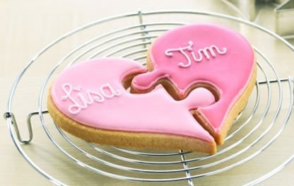 Cute puzzle valentine cookie