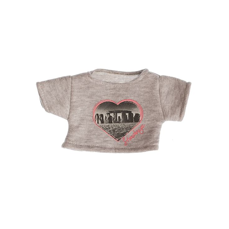 This cute Stonehenge grey heart toy jumper is the perfect addition to any soft toys wardrobe. Keeping your toy warm and stylish, especially in the winter. The ideal gift for a young child who loves soft toys and dressing them up in style.