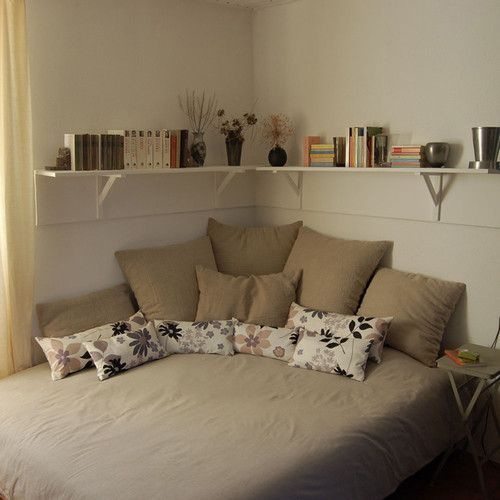 awesome Corner Bed Design Ideas, Pictures, Remodel and Decor by http://www.besthomedecorpics.us/small-bedrooms/corner-bed-design-ideas-pictures-remodel-and-decor/