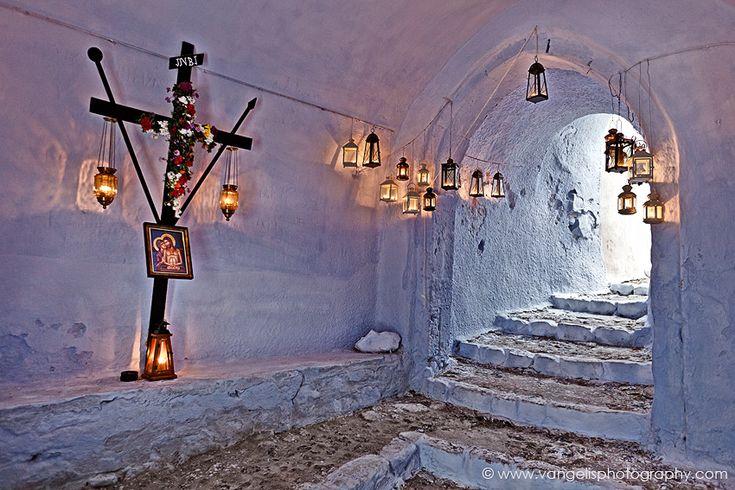 Easter in Santorini - Epitaph   Πασχα στη Σαντορινη - Επιταφιος, χωριο Πυργος