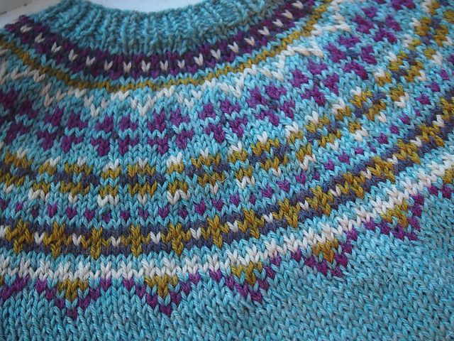 "Ravelry: aletas' ""Fimma"" Lopapeysa (Icelandic lopi wool Fair Isle sweater) - pretty colours!"