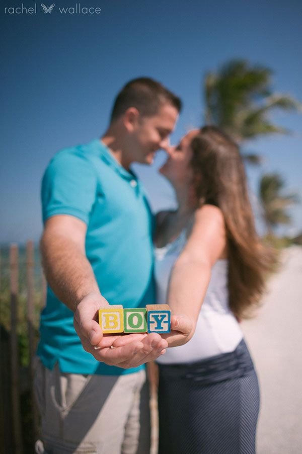 beach gender reveal, maternity photo
