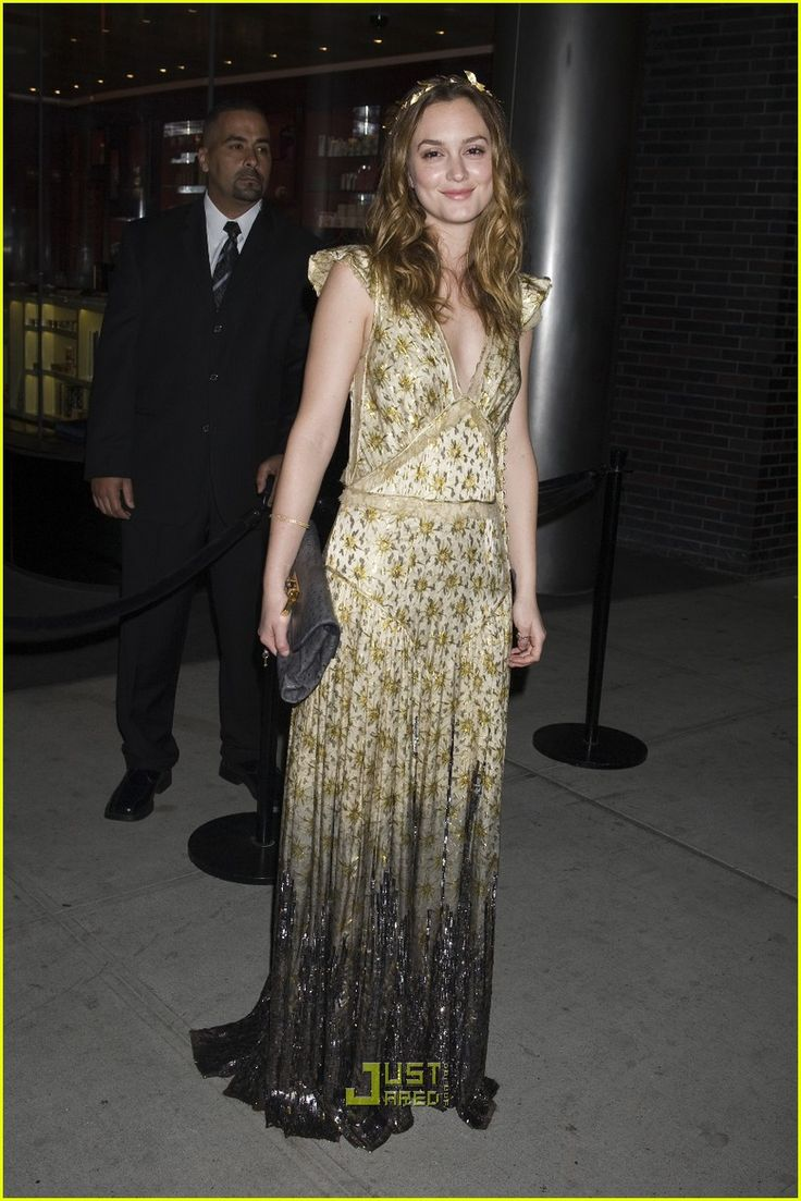 2010 - Leighton Meester in  Marc Jacobs