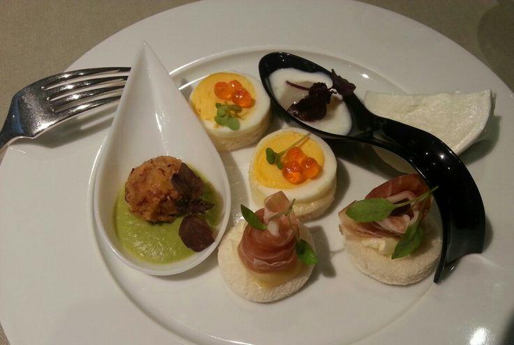 """L'aperitivo, """"cena a quattro mani"""" ristorante La Rei #lacciuganelbosco #ilboscareto #langhe #aperitivolarei"""