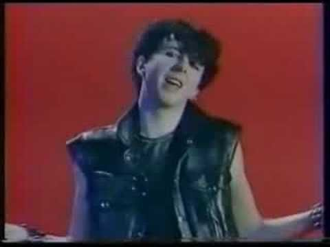 """Soft Cell """"Tainted Love"""" rare demo 1980 (STEREO) this is the one I remember. I always loved SoftCell. Manson's versions rocks too though."""