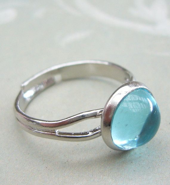 Moon ring from Mako Mermaids, Brielle has the same as this ...