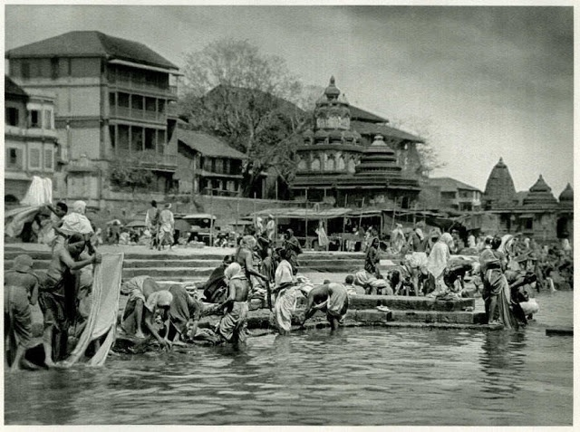 Pilgrims at Bathing Place on the Sacred Godavari River, Nashik, Maharashtra - India 1928 - Old Indian Photos