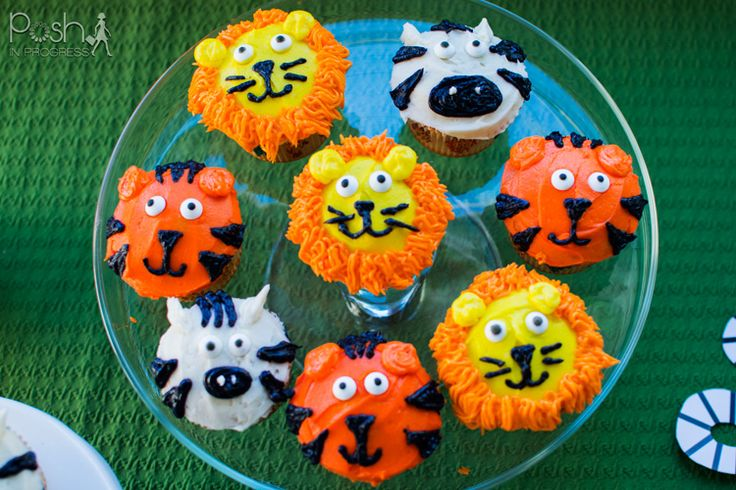 zoo animal cupcakes 1