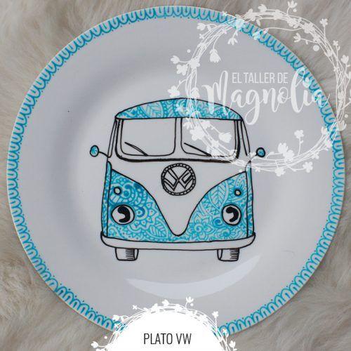 Plato con auto hippie