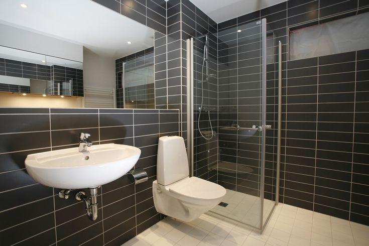 desain kamar mandi minimalis sempit kecil.jpg