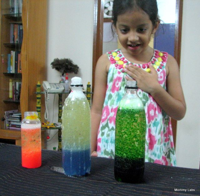 "homemade ""lava lamp"" science experiment. Oil, water, food coloring, alka-seltzer."