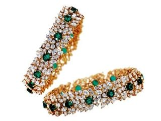 EvolutioniseIntricacy in design defines this spectacular set of bangles from Jaipur Gems. Brilliant- and marquise-cut diamonds vie for attention alongside perfectlyplaced glittering emeralds.