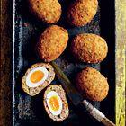 Kruidige Schotse eieren met salie en citroen - recept - okoko recepten