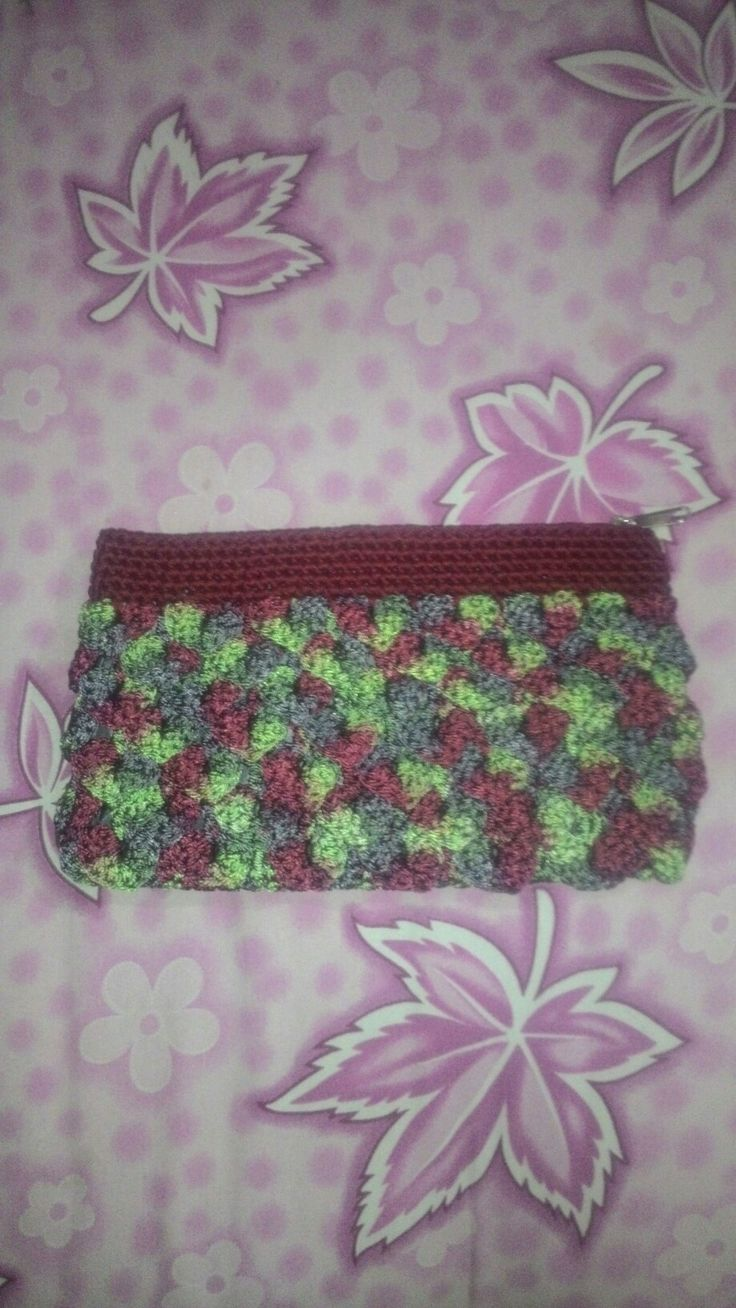 Crochet crocodile clutch