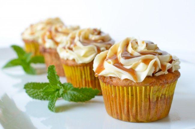 banana foster cupcake: Beards, Sweet, Banana Foster, Cream Cupcakes, Foster Cream, Food, Bananas Foster, Foster Cupcakes, Black