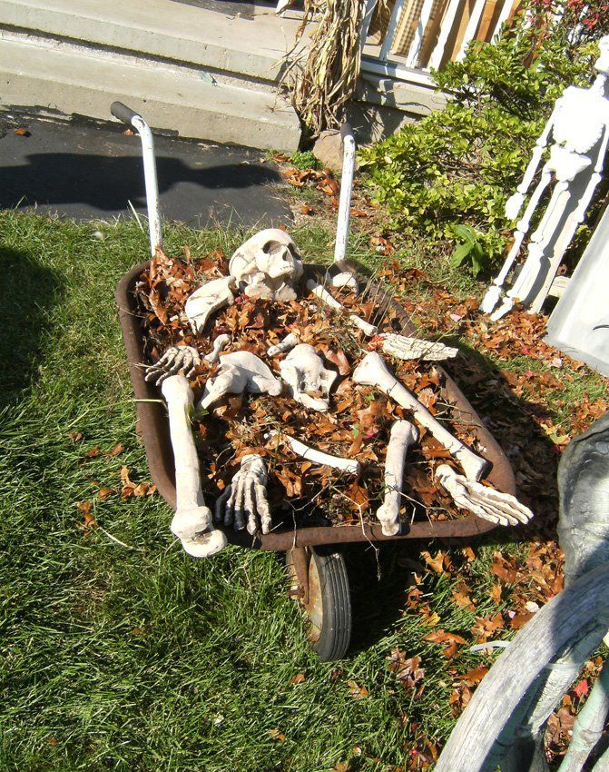cheap halloween yard decoration idea pictures - Halloween Ideas Decorations