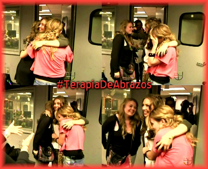 and of course #TerapiaDeAbrazos! Best hug of ALL @Lady T