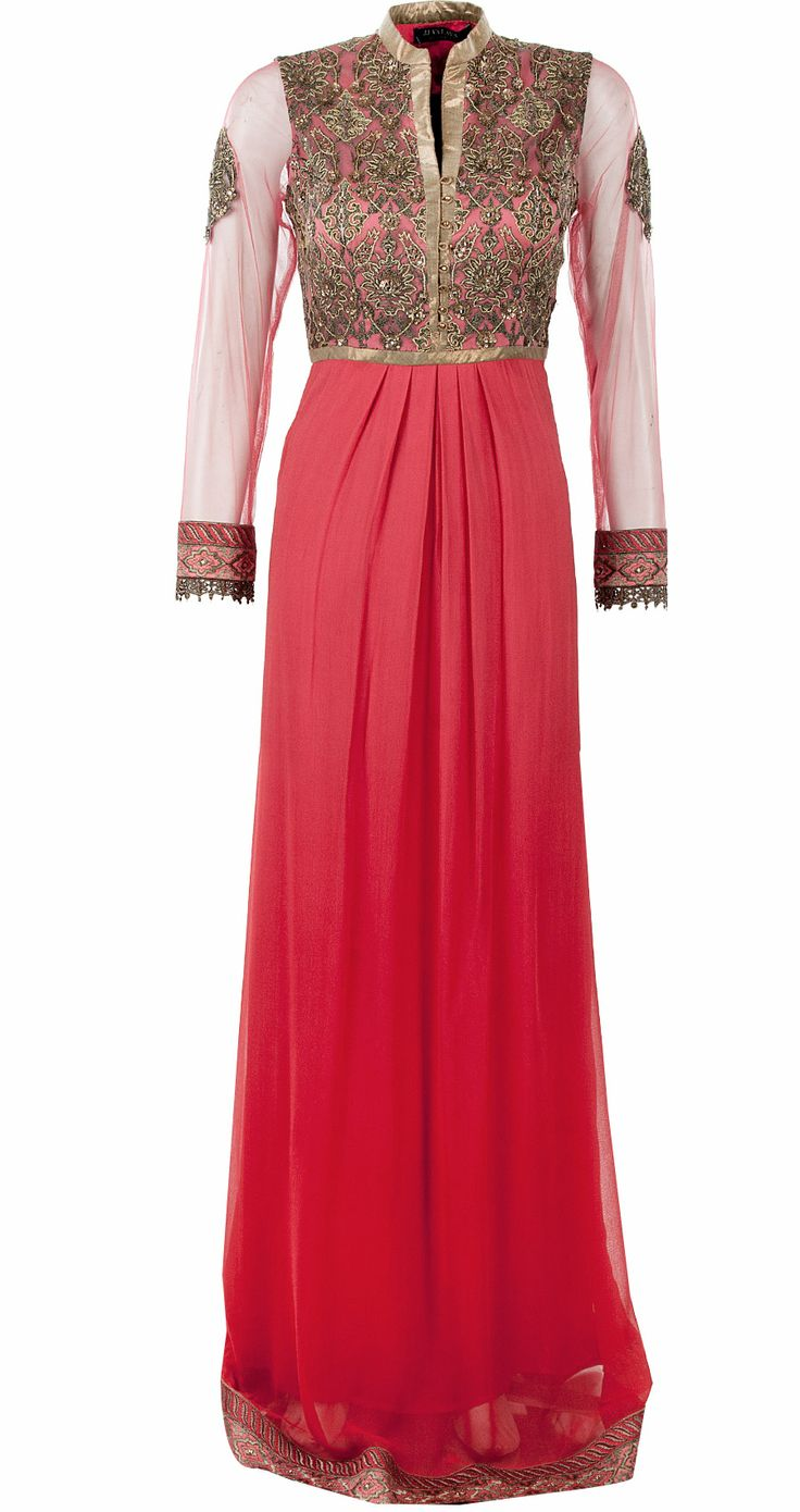 Coral pleated kurta set available only at Pernia's Pop-Up Shop.