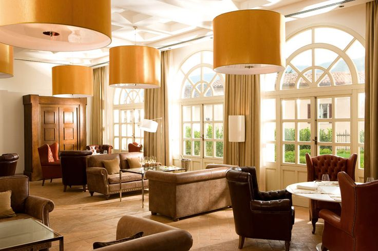 Timeless design that combines contemporary and history into a sophisticated hotel experience.