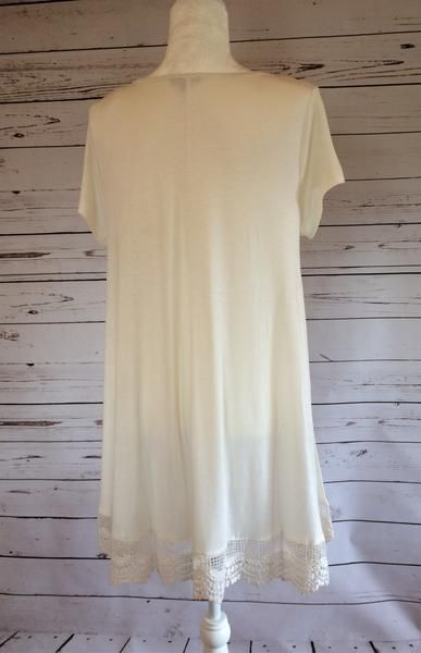 Lace Hem Short-Sleeve Top – The Wooden Lace Boutique