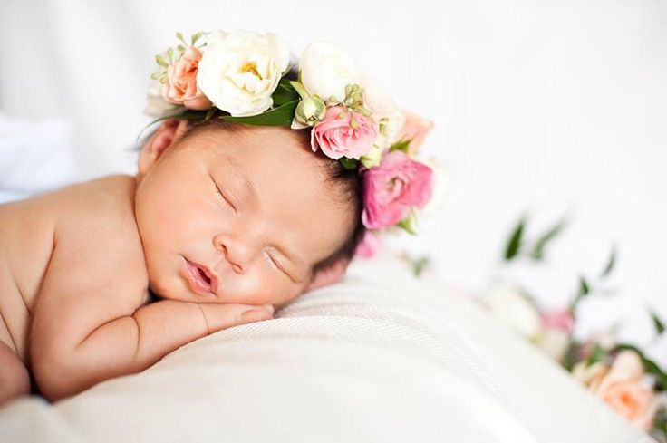 Candice Benjamin Photography newborn session baby flower crown.                                                                                                                                                                                 More