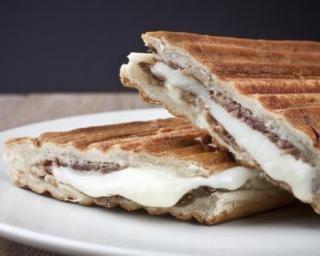 Panini au thon et fromage frais 0% : Savoureuse et équilibrée | Fourchette & Bikini