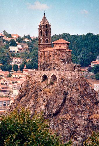 Le Puy en Velay ~ Haute Loire, Auvergne - La chapelle St. Michel:) Did G ....