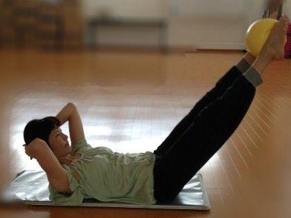 腹筋や肩の筋肉の中でも深層部にあるインナーマッスルは、スポーツ選手やダイエットを行なう人たちの間で注目を集めていますが、普段の筋トレではなかなか鍛えられないと言います。「インナーマッスル」の役割とその効果的な鍛え方について紹介します。