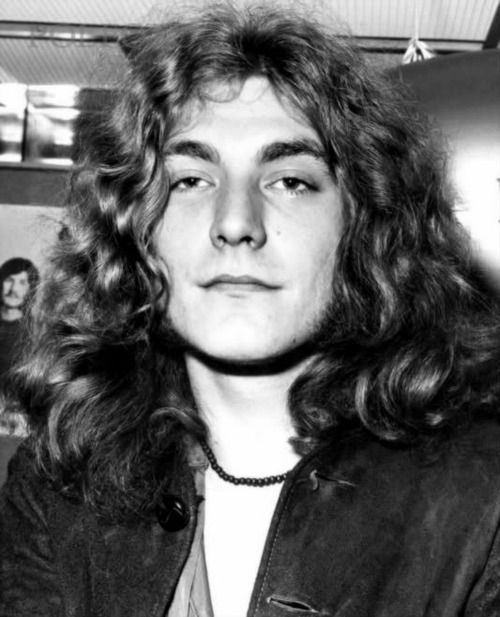 Discovered by ~. Find images and videos about robert plant and led zeppelin on We Heart It - the app to get lost in what you love. | Jimmy in 2019 | Robert plant young, Robert plant led zeppelin, Robert plant