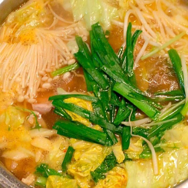 キムチ鍋を作りました。キムチの素でだしを作ると結構いけますよ^ - ^ - 37件のもぐもぐ - キムチ鍋 by koukitanabe