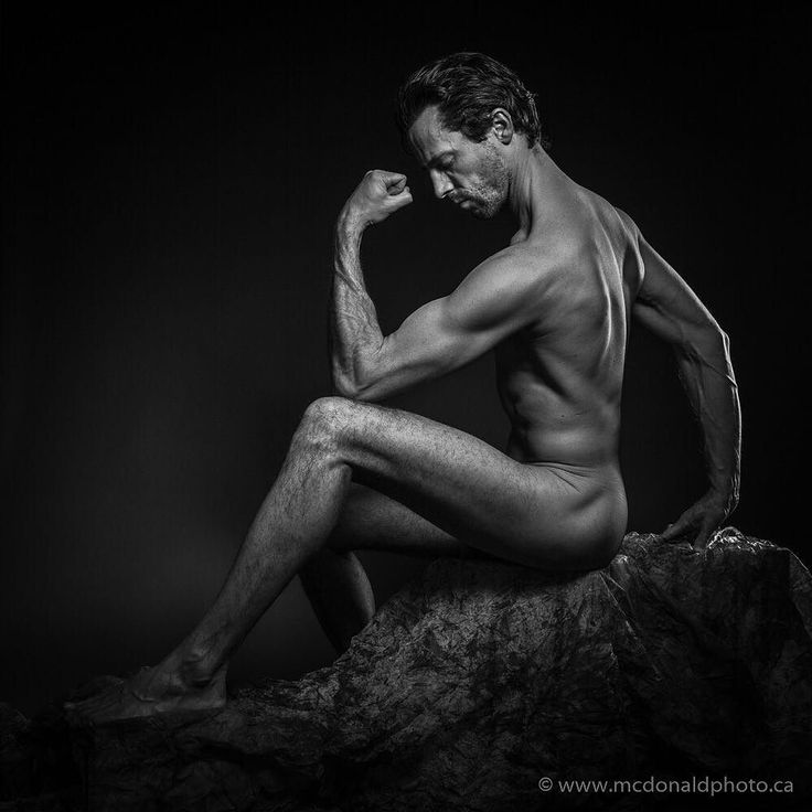 Starting this years portraits off with a fitness / figure study session in our Calgary studio. Great to work with model @shawzian for this set. Booking info: www.mcdonaldphoto.ca (link in bio)  #yyc #calgary #artnude #nudeart #figurestudy #artmodel #bwfitness #malefigure #calgaryfitness #calgaryfitfam #yycfitness #igyyc #igcalgary #mcdonaldphotography #ppoc_ab