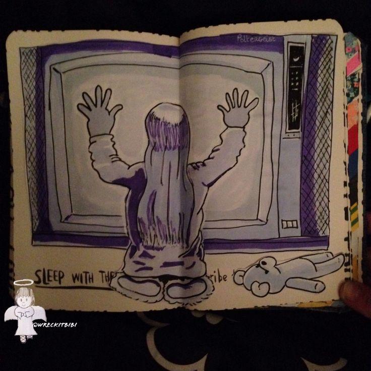 Wreck this journal. Poltergeist. Slaap met het dagboek.... Of lig juist wakker ;)