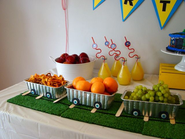love the track for the food cars--simple popsicle sticks and yarn