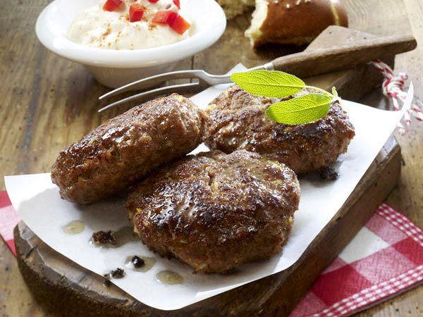 Bayerische Spezialitäten - mei, san die guat! - fleischpflanzerl  Rezept