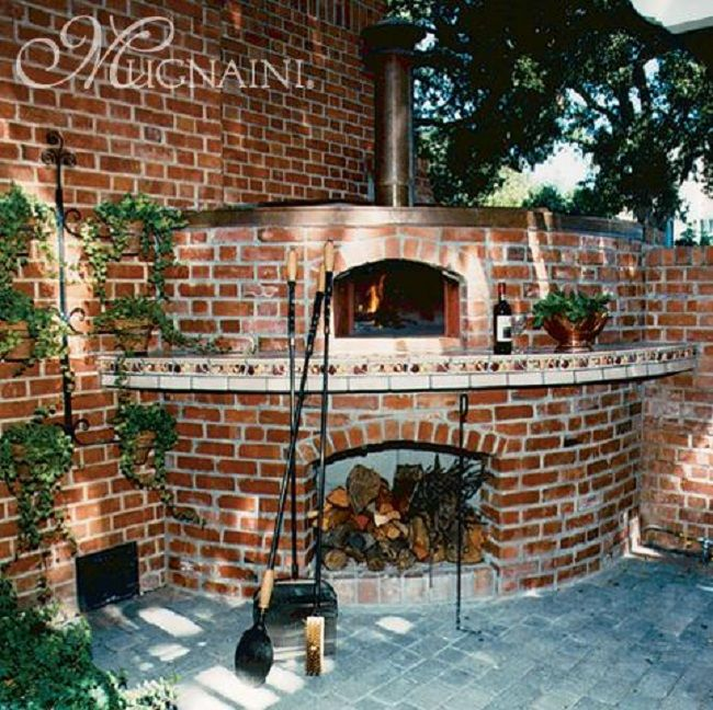 Brick pizza oven with Magnaini kit interior. www.mugnaini.com