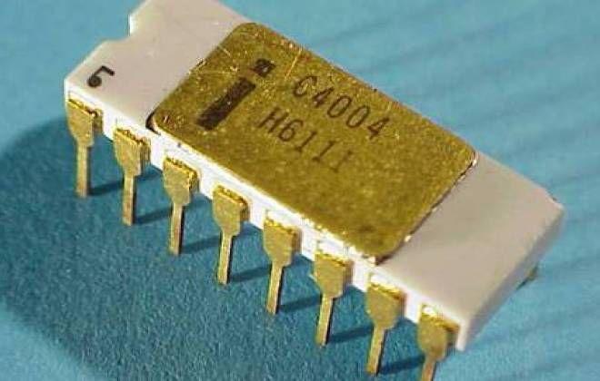 INTEL 4004, primeiro microprocessador da história, completa 40 anos  Chip, que foi desenvolvido para uma calculadora, tinha 720 KHz e transformou a indústria da computação para sempre.
