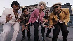 https://www.youtube.com/watch?v=OPf0YbXqDm0 2 317 144 817 просмотров 290 308 комментариев Обзор видео мировых рекордсменов посещаемости на YouTube, набравших миллиард просмотров и более на 2017 год.  «Uptown Funk» — песня британского автора-исполнителя и продюсера Марка Ронсона и американского...